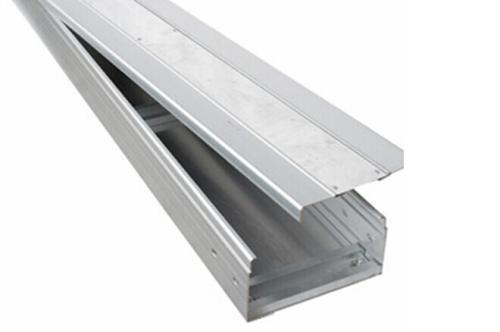 電纜橋架安裝應該選擇合適材質 確保安裝流程正確